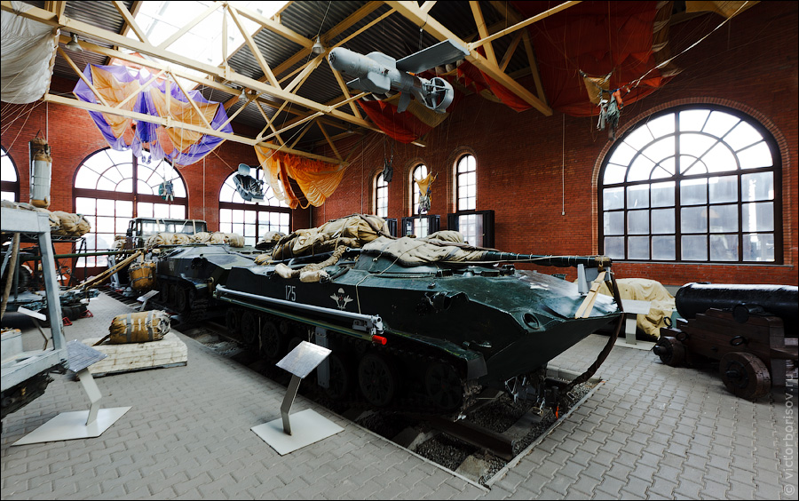 Подводная лодка в степях украины