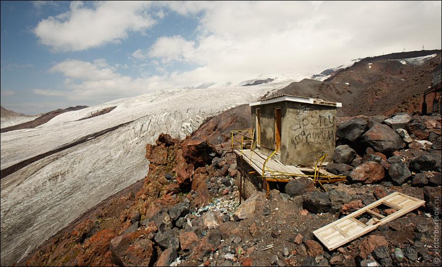 Эльбрус: Высота 3800 метров