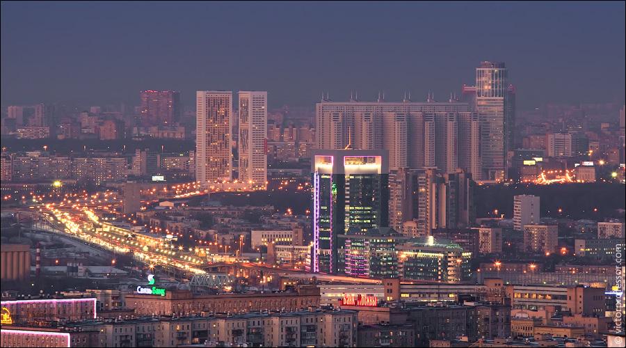 Перевозки пассажиров Днепропетровск - Москва. Перевести семью и вещи Днепропетровск - Москва